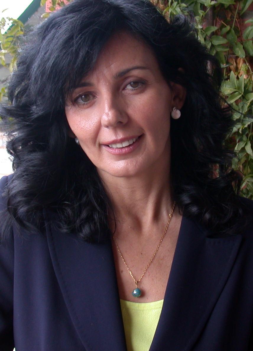 Mónica es periodista y comunicadora, especializada en Programación ... - monica-perez-3